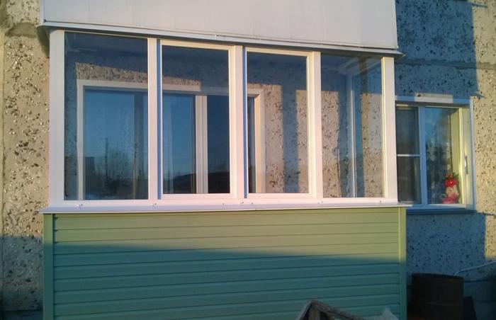 """Евроокна"""" - остекление балконов и лоджий металлопластиковыми."""